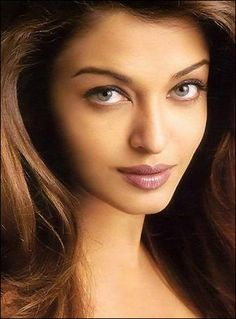 "Aishwarya Rai Bachchan has the most Googled eyes of any living celebrity. Many fans online assume that her real eye color is brown, and that she wears contact lenses to turn brown eyes to green or blue. In fact, her eyes are a natural sea green tone, which is rare amongst Asians.  star's eyes are naturally green. ""My eyes pick up different tones depending on what I am wearing,"""