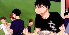 Ive always love this scene hihihi Akaashi's mom sensor
