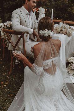 Wedding Goals, Boho Wedding, Wedding Day, Dream Wedding Dresses, Bridal Dresses, Wedding Dress Veil, Unique Wedding Dress, Vintage Inspired Wedding Dresses, Bride Veil