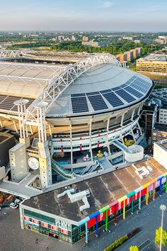 Amsterdam Arena un recinto deportivo ubicado en la ciudad de #Amsterdam, es la casa del #Ajax, donde cada quince días da muestra de su agradable fútbol. Capacidad: 53.502