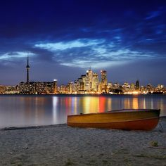 Evening boat by the water - Toronto Skylines Walk Around The World, Around The Worlds, Toronto Skyline, New York Skyline, Light Of Life, Toronto Canada, City Lights, Travel Advice