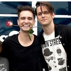 DALLON GET TF OUT OF BRENDONS SHIP LIFE<<<could not agree more! Brallon is my third least favorite ship, right after Baycest and Waycest