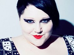 Gossip frontwoman Beth Ditto wants to make ethical plus-size clothing http://is.gd/BNwEja