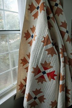 Antique turkey tracks quilt, a family heirloom posted by Amy Gibson at Stichery Dickory Dock.