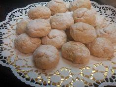 Μπισκότα με λεμόνι και πορτοκάλι που λιώνουν στο στομα - Daddy-Cool.gr Hamburger, Muffin, Sweets, Bread, Cookies, Baking, Breakfast, Desserts, Recipes