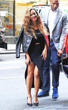 """Wenn man Beyoncé Knowles heißt, kann man auch mal so ins Büro gehen. Die Pop-Diva ist eine wahrer """"Girl-Boss""""."""