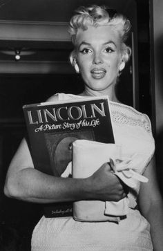 Marilyn Monroe a girl should be a PERSONALSIMEDLISED individual indicidualized individuality individualismedlised who knows what she wants and who she is.