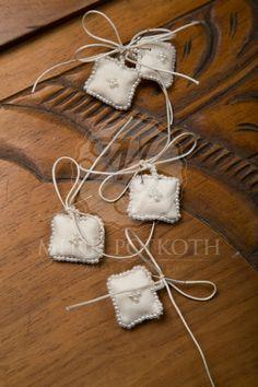 Μαρτυρικά βάπτισης φυλαχτό Projects To Try, Christening, Brides, Souvenir