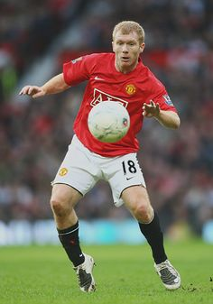 Paul's first game since October is welcomed by players and fans alike. Manchester United Official, Manchester United Images, Manchester United Legends, Manchester United Football, All Star, Man Utd Squad, Football Fever, Man Utd News, Most Popular Sports