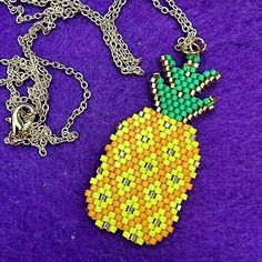 #bloque #cemento #ideas #reciclaje #diy #decoracion Peyote Beading Patterns, Pony Bead Patterns, Beaded Banners, Pineapple Pattern, Craft Accessories, Bracelet Crafts, Beaded Clutch, Native American Beading, Pony Beads