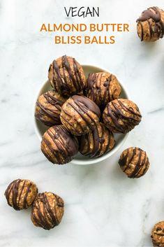 Almond Butter Bliss Balls #vegan #livingwellwithnic