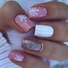 52 winter nail colors and designs, mismatched nail colors, mismatched nail desig. - Xmas Nails - Nagellack Designs 52 winter nail colors and designs, mismatched nail colors, mismatched nail desig… – Xmas Nails - Water Snowflake Nail Design, Snowflake Nails, Christmas Nail Art Designs, Winter Nail Designs, Toe Nail Designs, Acrylic Nail Designs, Nails Design, Winter Gel Nails, Christmas Gel Nails