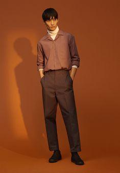 Uniqlo U Fall / Winter 2019 Collection Korean Fashion Men, Boy Fashion, Mens Fashion, Fashion Outfits, Fashion Styles, Sweater Outfits, Boy Outfits, Style Anglais, Mode Cool