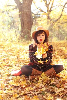 Fall Fashion | Fall Photography | AUTUMN BEAUTY http://www.pinterest.com/oddsouldesigns/autumn-beauty/