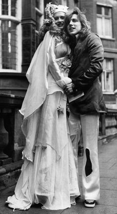 Firefly and Mike Taylor, 1972 | 41 Insanely Cool Vintage Celebrity Wedding Photos