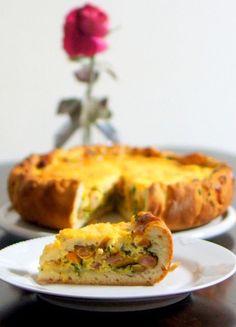こちらは、パイ生地ではなく、ホームベーカリーでつくったパン生地をベースにした春菊のキッシュ。これ一つで、朝ごはんやお昼ご飯のメインになりますね。