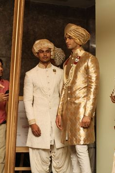 Best of Indian menswear collection from India Couture Week Manish Malhotra, Sabyasachi, Anju Modi, Rohit Bal Indian Men Fashion, Indian Bridal Fashion, India Fashion, Groom Wear, Groom Outfit, Indian Wedding Wear, Indian Wear, Mens Traditional Wear, Mens Ethnic Wear