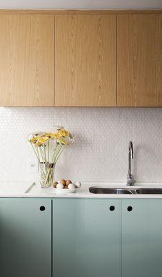 New kitchen paint light interior design ideas White Kitchen Cabinets, Kitchen Paint, New Kitchen, Kitchen Decor, Kitchen Wood, Mint Kitchen, Kitchen Modern, Wood Cabinets, Kitchen Backsplash