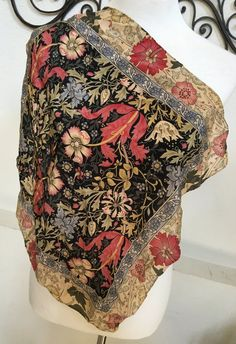 Vintage Metropolitan Museum of Art William by TexasCowgirlVintage Foulard  Ancienne, Metropolitan Museum, Foulards a8132002611