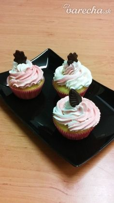 Swiss - biely maslový krém (fotorecept) - Recept Desserts, Food, Tailgate Desserts, Deserts, Essen, Postres, Meals, Dessert, Yemek