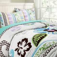 PB wailua beach bedding. LOVE THIS! this has got to be my new favorite bedding EVER. <3
