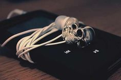 Skull earphones