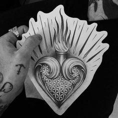 Family Tattoo Designs, Heart Tattoo Designs, Owl Tattoo Drawings, Tattoo Sketches, Sagrado Corazon Tattoo, Geometric Tattoo Hand, Tatoo Manga, Tattoo Bauch, Christ Tattoo