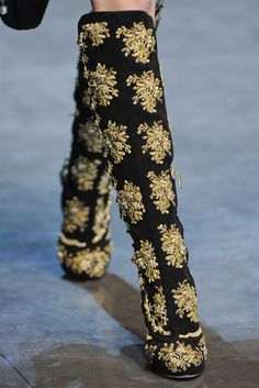 Woooow, look at that print! (Dolce & Gabbana, Fall/Winter 2012/2013)