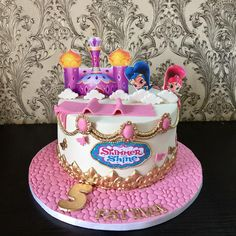 Ideas para Cumpleaños: 80 ideas para decorar cumple de Shimmer y Shine 5th Birthday Cake, Birthday Parties, Shimmer And Shine Cake, Tuxedo Cake, Cupcakes, Bday Girl, Party Food And Drinks, Girl Cakes, Cakes And More