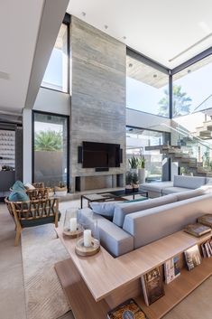 Discover recipes, home ideas, style inspiration and other ideas to try. Modern Home Interior Design, Dream House Interior, Luxury Homes Dream Houses, Home Room Design, Dream Home Design, Modern House Design, High Ceiling Living Room, Home Living Room, Modern Architecture House