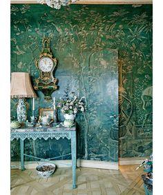 Howard Slatkin's Guest Room with 18th Cent. Wallpaper via DuJour Magazine. Photos by Kyoko Hamada.