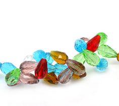 25 facettierte Kristallglas-Tropfen, Farbmix 15x10 von Nickys Materialshop auf DaWanda.com