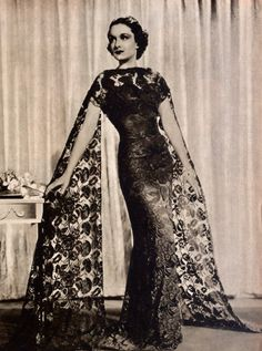 Vintage Couture, Vintage Glam, Vintage Vogue, Vintage Ball Gowns, Vintage Dresses, Vintage Outfits, 1930s Fashion, Vintage Fashion, Couture Dresses