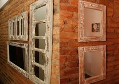 Con viejas puertas y ventanas