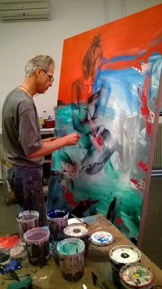 Contemporary Italian artist Pier Toffoletti (b. painting in his art… Atelier Photo, Atelier D Art, Italian Artist, Italian Painters, Artist Art, Artist At Work, Painting Inspiration, Art Inspo, Artist Workspace