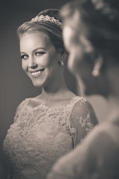 Dia da noiva | Making of da noiva | Make da noiva | Maquiagem de noiva | Maquiagem para noiva | Bride | Bride's Make Up | Inesquecível Casamento | Penteado de noiva | Grinalda | Hair | Hairstyle