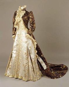 Tea gown, House of Worth ca. 1890-1895 currently at the Royal Ontario Museum.