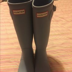 Light blue hunter boots! Great condition size 9.5! Will trade for other name brand things just shoot me a offer/comment :) Hunter Boots Shoes Winter & Rain Boots