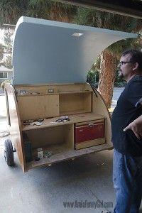 05 teardrop trailer hatch fitting open