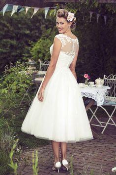 Tea Length Bridal and 50's Style Short Wedding Dresses | Brighton Belle | Mae/W183 | True Bride