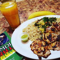 Chicken Steak Somali Style.  Ha kuu macaanaato  #ColYumNomBus #SomaliCuisine #AfricanEats