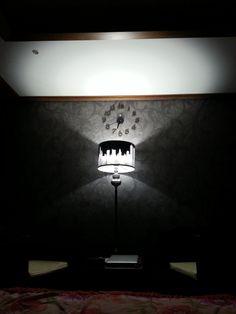 @mystyle1103 twitpic.com/btgw3b 침대에누워..시계를바라보다.. 내방이쁘다!!!!ㅋ