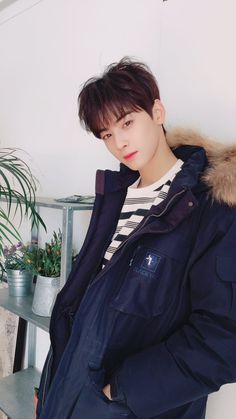 Cha Eunwoo 차은우 || Lee Dongmin 이동민 || Astro || 1997 || 183cm || Vocal || Visual