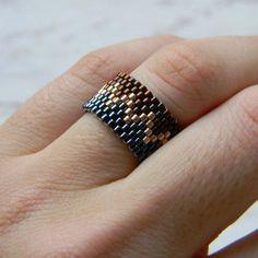 Sparkly beaded ring Seed bead ring Zig zag ring by HappyBeadwork Seed Bead Bracelets, Seed Bead Jewelry, Seed Beads, Beaded Jewelry, Diy Jewelry, Loom Bracelet Patterns, Seed Bead Patterns, Diy Rings, Beaded Bracelets
