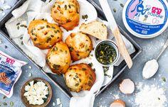 Griekse hartige yoghurtbollen Love Food, A Food, Healthy Snacks, Healthy Recipes, Poke Bowl, Carrot Cake, High Tea, Bread Recipes, Meal Planning
