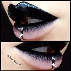 Piercing Bouche Make Up 51 Ideen - Natural Makeup Light Gothic Makeup, Dark Makeup, Fantasy Makeup, Black Lips Makeup, Makeup Light, Natural Makeup, Makeup Inspo, Makeup Art, Lip Makeup