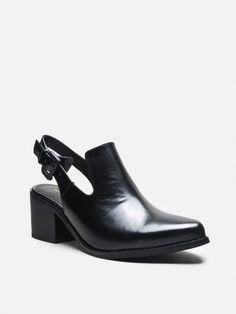 pill sandal