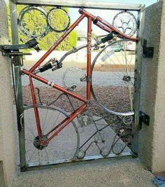 Gate made from recycled bike parts Metal Projects, Welding Projects, Diy Projects, Welding Ideas, Metal Crafts, Recycled Bike Parts, Weird Inventions, Scrap Metal Art, Recycled Metal Art