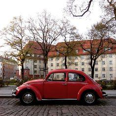 #parkedcars #dresdenneustadt #volkswagen #beetle #red #pickoftheday