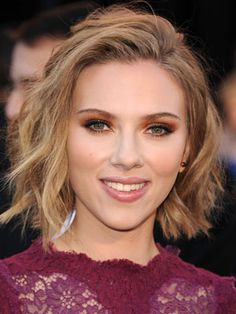 We love Scarlett Johansson's breezy cut.
